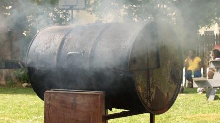 jerk-chicken-drum-pan-smoker
